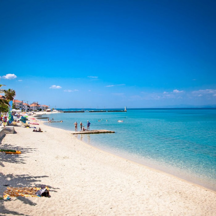 Locate the best beaches in Pefkochori by staying in the luxuy Apartment Chalkidiki